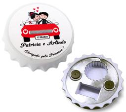 Lembrancinhas de casamento Abridor de garrafa formato tampa