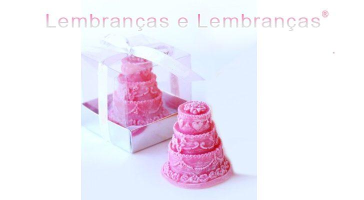 Lembrancinhas de casamento sabonete em forma de bolo