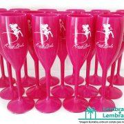 brindes-promocionais-taca-de-acrilico-personalizada-01