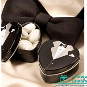 lembrancinhas-de-casamento-Latinha-de-coracao-noivo-e-noiva-1