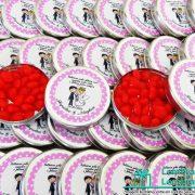lembrancinhas-de-casamento-latinha-com-balinhas-de-coracao-personalizada-04
