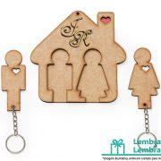 Lembrancinhas-para-padrinhos-porta-chaves-em-madeira-05