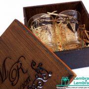 lembrancinhas-Padrinhos-de-casamento-caixa-de-madeira-personalizada-03
