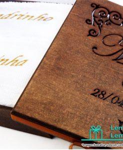lembrancinhas para padrinhos de casamento caixas, caixas personalizadas para lembrancinhas de casamento , caixa para padrinhos de casamento , kit padrinhos de casamento , caixa de madeira padrinhos de casamento , pais padrinhos e madrinhas de casamento