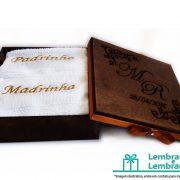 lembrancinhas-Padrinhos-de-casamento-caixa-de-madeira-personalizada-18