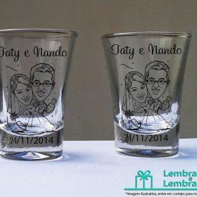 copo-de-dose-shot-vidro-personalizado-para-lembrancinhas-de-casamento-01