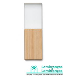 Brinde pen drive de cristal com tampa em bambu, Brindes pen drive de cristal com tampa em bambu, pen drive de cristal com tampa em bambu, pen drive de cristal, pen drive cristal, pen drive com tampa de bambu, pen drive com tapa de madeira, pen drive de madeira
